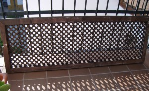 Reutiliza!: De celosía a cabecero / Reuse!: From lattice to headboard